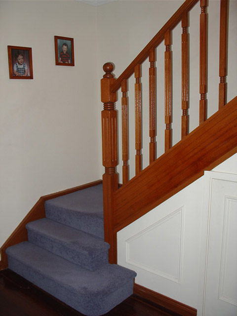 Fluted Std Stair Posts 1500x90sq (Vic Ash)