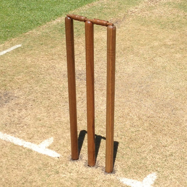 Sc100 Australian Made Cricket Stumps Set Of 3 Stumps And Bails on timber home furniture