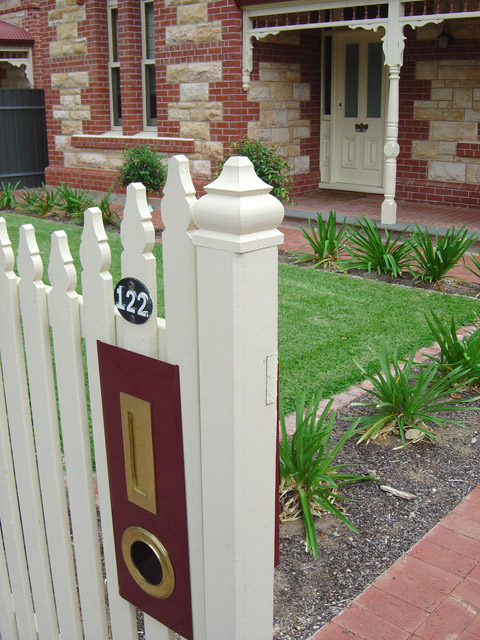 Square Windsor Fence Post Capitals 85sq