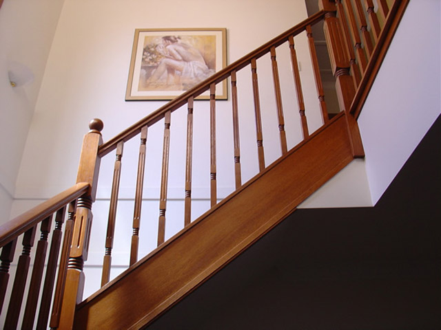 Fluted Centre Landing Stair Posts 880x90sq (Vic Ash)